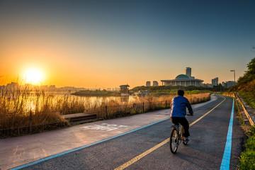 Seoul Cyclist