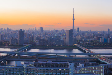 Poster Tokyo Tokyo city view with Tokyo sky tree and river in evening