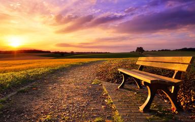 Zelfklevend Fotobehang Diepbruine Bunter Sonnenuntergang am Land
