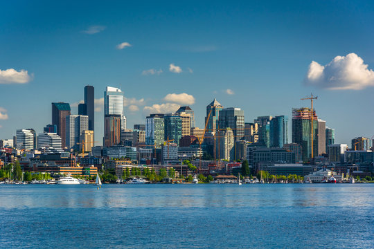 Lake Union and view of the skyline in Seattle, Washington.
