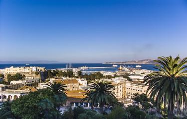 Der Hafen von Tanger von oben