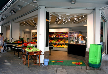 open market place: fresh organic fruits and vegetables