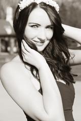 Portrait schwarz-weiß einer schönen Frau