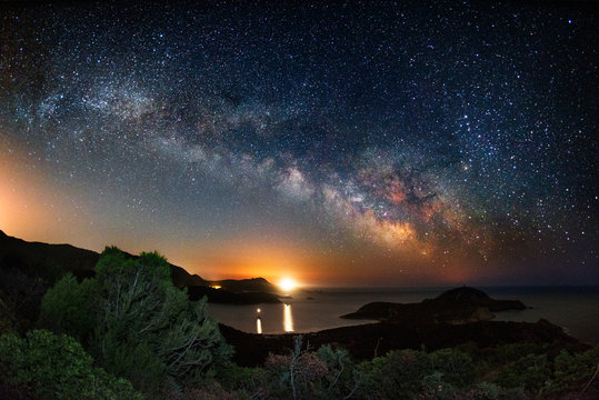 Milky way on over the Malfatano Cape