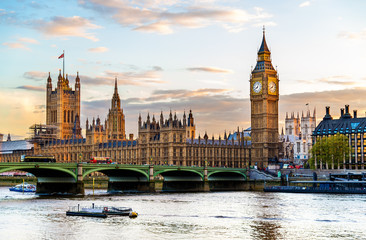 Foto op Canvas Londen The Palace of Westminster in London in the evening - England