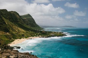 USA, Hawaii, Oahu, Waves breaking on shore near Makapuu Lighthouse