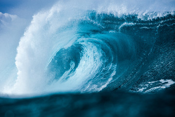 Hawaii, Close-up of large blue breaking wave