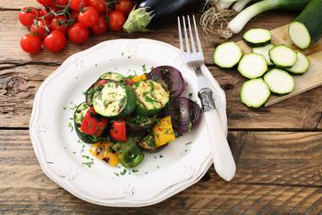 cibo vegetariano verdure grigliate