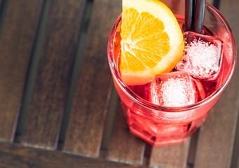 Fototapete - top of view of spritz aperitif aperol cocktail with orange