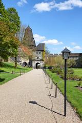 Oberes Burgtor und Park der Burg Bad Bentheim