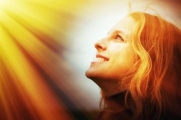 Junge Frau im Licht