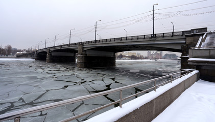 Novospassky bridge