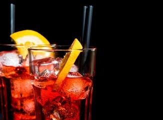 Fototapete - glasses of spritz aperitif aperol cocktail with orange slices