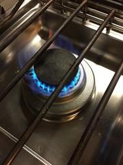 cucina a gas fiamma fiamme