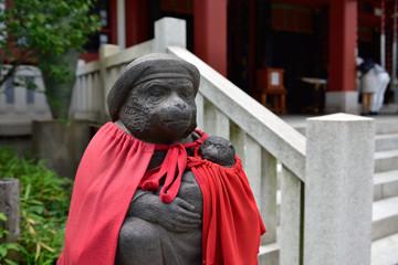 日枝神社の神猿像