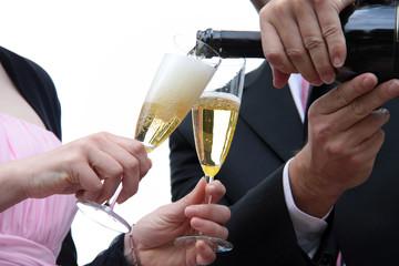 Reinen Wein einschenken oder Sekt