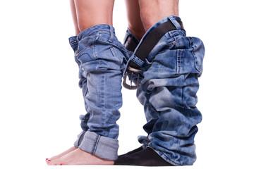 Beine mit runter gezogenen Hosen