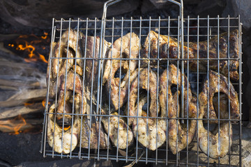 Preparation of a barbecue from a fish