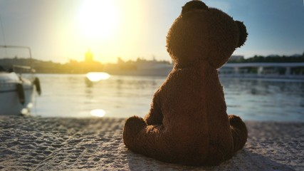 Teddy bear in the pier