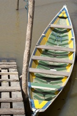 Canoa verde amarela
