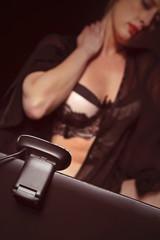 femme sexy devant webcam