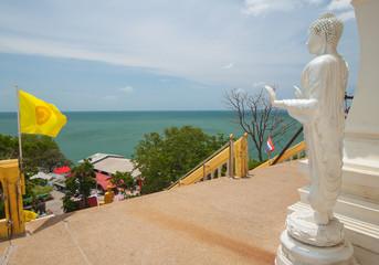 thai buddha and sea