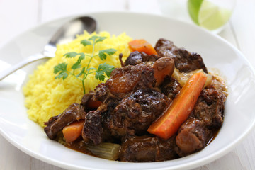 cuban oxtail stew with yellow rice, rabo encendido