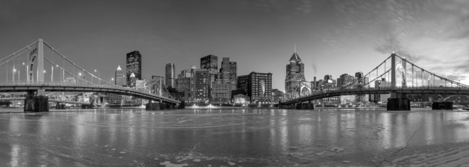 Fototapete - Skyline of downtown Pittsburgh