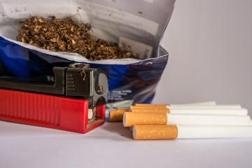 Zigarettentabak, Stopfmaschine und Hülsen 01
