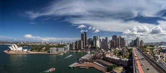 Downtown Sydney von der Harbour Bridge