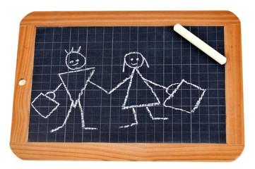 Des écoliers dessinés à la craie sur une ardoise