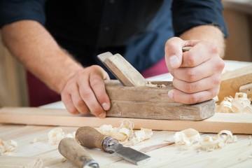 Wood, joiner, woodwork.