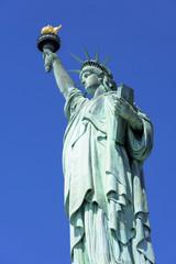 リバティ島の自由の女神