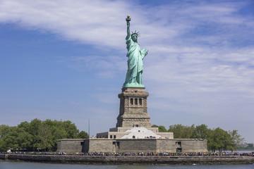 フェリーよりリバティ島の自由の女神