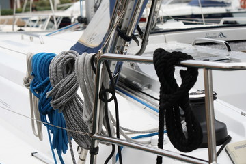white gray and blue ropes  on the saliboat