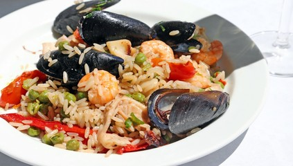 paella rice with mussels and shrimp