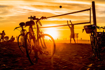 People playing beach volleybal on Venice Beach