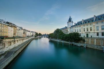 début de journée Paris