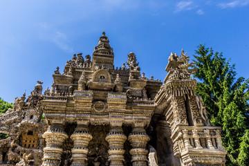 Palais Idéal du Facteur Cheval, façade est