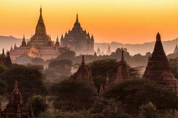 Ananda pagoda at dusk