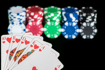 gute Pokerkarten mit Pokerchips