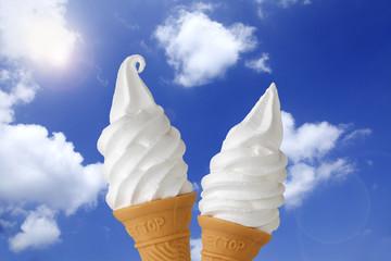 ソフトクリーム/青空とソフトクリーム