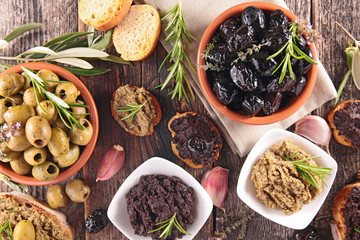 assorted olives, tapenade and bread