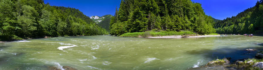 Panoramic view of the Dunajec river in the mountain
