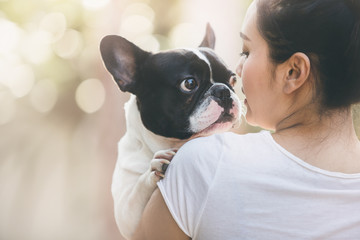 french bulldog kiss girl