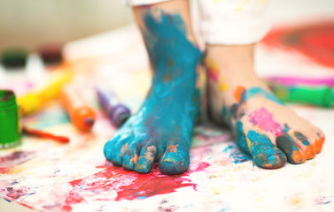 messy feet