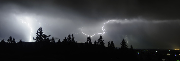 An August Thunderstorm In the Mid Willamette Valley