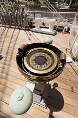 船の羅針盤