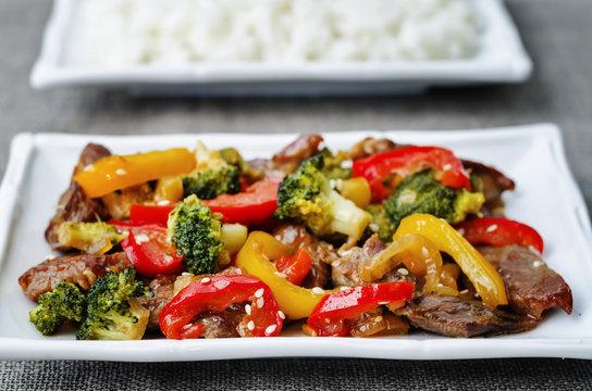pepper broccoli beef stir fry