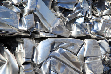 Aluminium pressed together for recycling